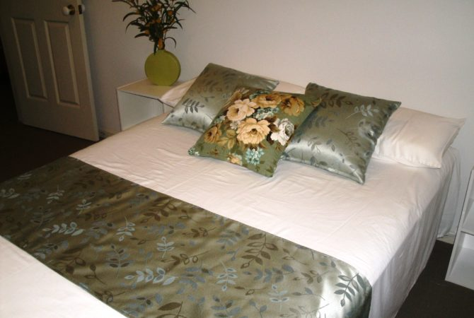 Double bed - cushions and runner set