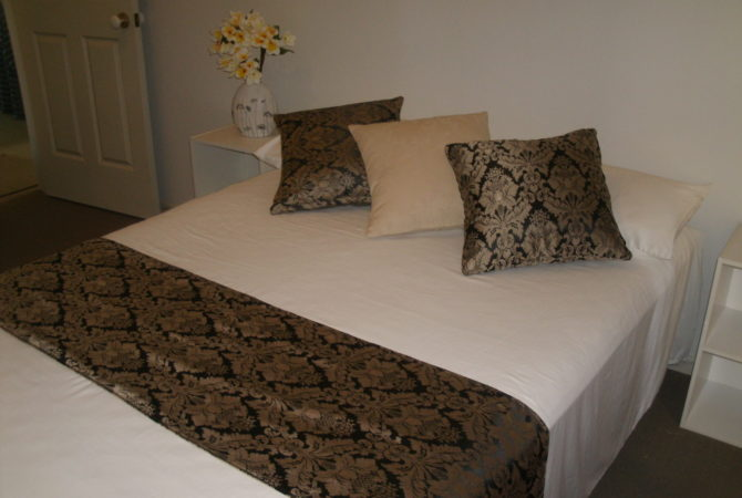 Bed Set - Cushions and runner set