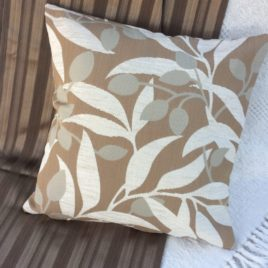 Leaf Design Cushion Cover